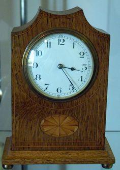 English small oak mantle time piece 1900  http://www.timemaster.nl/mangumwhitehouse-clock-shop/