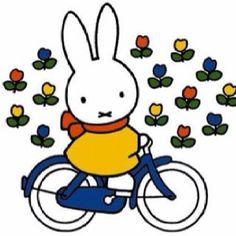 Nijntje gaat fietsen.