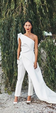 Trend 2019 27 Wedding Pantsuit Jumpsuit Ideas wedding pantsuit - Trend 2019 27 Wedding Pantsuit Jumpsuit Ideas wedding pantsuit ideas simple one shoulder jumpsuit with over skirt toni maticevsk Source by - White Wedding Dresses, Wedding Suits, Wedding Attire, Lace Wedding, Traditional Wedding Dresses, Wedding Wear, Wedding Bride, Formal Dresses, Wedding Pantsuit