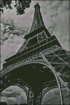 Gráfico PDF Punto de Cruz, Torre Eiffel  Blanco y Negro, Esquema Punto de Cruz Descargable