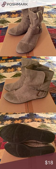 📌CLEARANCE! Final Sale! Cute Lightweight Canvas Boots.  Worn once.  Size 11. Shoes Ankle Boots & Booties