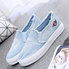Женские слипоны. Цена 2103р. на izobility.com. Артикул №513061862 Vans Shoes Women, Girls Shoes, Sneakers Fashion, Fashion Shoes, Shoes Sneakers, Cute Shoes, Me Too Shoes, Zapatillas Casual, Superstars Shoes
