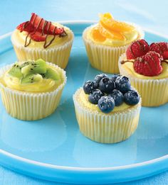 Easy Mini Cheesecakes: These luscious cheesecakes are gently flavored with Vanilla and Almond Flavor. Sized just right, they can be garnished with fresh or canned fruit topping. Köstliche Desserts, Delicious Desserts, Dessert Recipes, Yummy Food, Easter Desserts, Cookbook Recipes, Plated Desserts, Easy Mini Cheesecake Recipe, Cheesecake Cupcakes