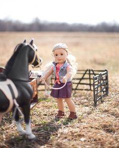 "3 Likes, 1 Comments - Disney Powless (@dollsandcoffee) on Instagram: ""Our gorgeous new friend, Tenney! #tenneygrant . . . . . . #agig #americangirldolls #dollcollector…"""