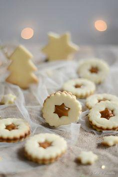 Dulce de Leche Linzer Cookies