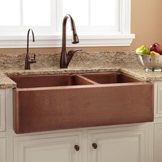 "36""+Tegan+70/30+Offset+Double-Bowl+Copper+Farmhouse+Sink+"