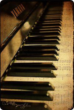 music / piano