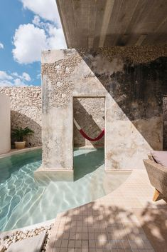 Casa Xólotl, A Home On The Yucatan Peninsula - IGNANT - - Previously a run-down property, 'Casa Xólotl' is the result of an ingenious renovation by Mérida-based firm Punto Arquitectónico, that links earth with water. Vintage Interior Design, Decor Interior Design, Interior Decorating, Interior Paint, Decorating Ideas, Decor Ideas, Landscape Architecture Drawing, Interior Architecture, Architecture Quotes