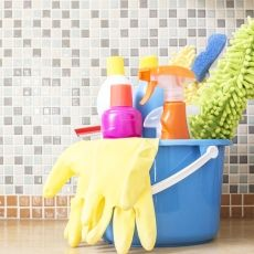 20 home hacks that will simplify your life - Shutterstock House Cleaning Checklist, Daily Cleaning, House Cleaning Services, Cleaning Day, Cleaning Hacks, Cleaning Supplies, Deep Cleaning, Simple House, Clean House
