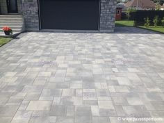 Driveway Landscaping, Backyard Pavers, Landscaping Ideas, Paver Designs, Paving Ideas, Outdoor Spaces, Outdoor Decor, Modern Patio, Pavement