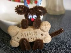 pipe cleaner animals - puppy dog with bone
