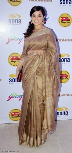 Simone Singh In Golden Saree at Golden beauties of Bollywood! picture gallery picture # 10 : glamsham.com
