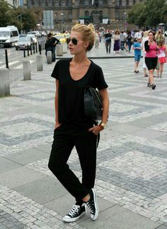 Simple and amazing black outfit