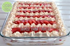 tiramisu panna e fragole| tiramisu | panna | fragole Sweet Cakes, Profiteroles, Kitchen Recipes, Italian Recipes, Raspberry, Sweet Tooth, Recipies, Cheesecake, Muffin