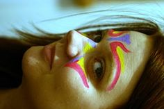 These easy face paint recipes show how to make homemade face paint using common household ingredients. Mix and store in baby food jars or discarded film canisters. Be ready for your next kids party or dress-up event.  Face painting is a fun summer activity that you'll find at festivals and fairs-often for free. But it's fun to do this yourself for birthday parties, family reunions or just some weekend fun.  Always start with a clean face.Baby wipes work well for this. Apply thin layers of…