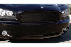 Black mesh upper and lower grille