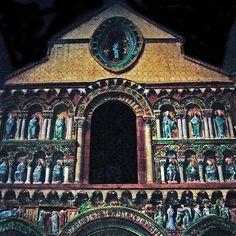 Notre Dame la Grande de Poitiers ORIGINAL VERSION COULEURS 3 boites à lumière Okaio flashs (innovation) 4 Okaio Créations 1995