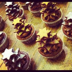 Cupcakes www.ninasbakery.ch Showbacken mit www.chuchilade.ch