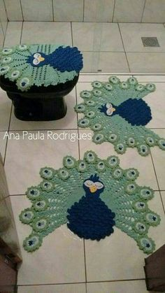 Absolutely stunning round carpet in), doily rug, mint color carpet Shabby chic, rug for the livi - DiyForYou Tapete Doily, Doily Rug, Crochet Doilies, Crochet Flowers, Peacock Crochet, Crochet Carpet, Crochet Home, Yarn Crafts, Diy And Crafts