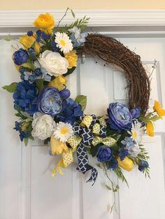 Spring Wreaths, Easter Wreaths, Summer Wreath, Diy Wreath, Door Wreaths, Grapevine Wreath, Spring Door, Summer Flowers, Spring Crafts