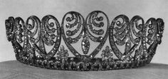 Baden PalmetteTiara, Denmark. Made by Koch, was a wedding gift to Princess Luise of Prussia in 1856 from her father, Kaiser Wilhelm I. The romantic piece, whose palmette motifs join to resemble hearts, was given by Luise to her daughter, Queen Victoria of Sweden, and then passed along to Victoria's granddaughter, Queen Ingrid. Queen Margrethe inherited the tiara on her mother's death in 2000.