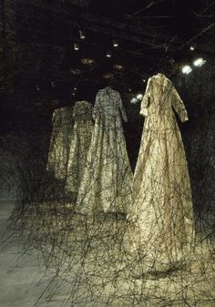 "bienenkiste: ""After the dream"". Installation by Chiharu Shiota"