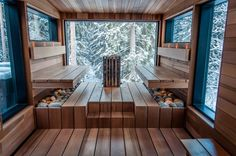 Large and expansive. The Sauna with a view. Every Sauna should have a view.–Lehmonkärki resort, in the land of a thousand lakes.