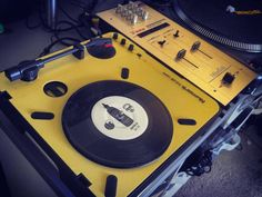 """My portable scratch setup is slowly coming together. Loving the brushed gold from @12inchskinz. Sick 7"""" non-skip from @dja1 #skiratcha #breaks. Just need my Raiden Fader to come in... #turntablism #scratching #scratchnerd by ctsneeks http://ift.tt/1HNGVsC"""