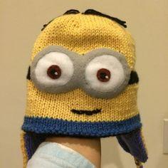 Minion (Minyon) Bere ve Sapka Yapimi Minion Hats, Minions, Yellow Minion, Knitted Hats, Crochet Hats, Elsa, Knitting Patterns, Awesome, Knitting Hats