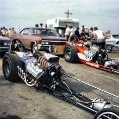 History - Drag cars in motion. Top Fuel Dragster, Nhra Drag Racing, Drag Bike, Old Race Cars, Thing 1, Vintage Race Car, Drag Cars, Car And Driver, Car Humor