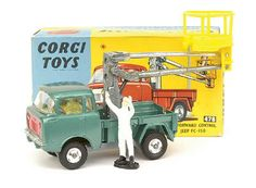 Mettoy Corgi diecast No.478 Forward Control Jeep FC150 & hydraulic tower