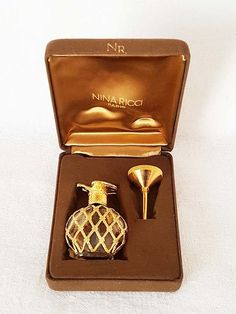 Vintage Nina Ricci Perfume Falcon Top Bottle In Box And Gold Tone Filler Funnel