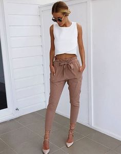 Beige Diane Trousers Fashion Outfits Super Style Casual Outfits 2019 Very Nice Amazing Tips Fashionable Cute Outfits For Teens Summer Fashion Trends, Trendy Fashion, Fashion Looks, Womens Fashion, Ladies Fashion, Feminine Fashion, Affordable Fashion, Winter Fashion, Cheap Fashion