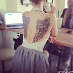 Wing back tattoo - 35 Breathtaking Wings Tattoo Designs ! Sexy Tattoos, Love Tattoos, Beautiful Tattoos, Body Art Tattoos, Tribal Tattoos, Tattoos 2014, Cross Tattoos, Tattoo Girls, Back Tattoo Women