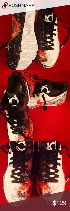 NIKE KD 8 XMAS VIII CHRISTMAS shoe men size 10 ***** NEW ****  Nike KD 8 XMAS EP Kevin Durant Christmas Pack Mens Basketball Shoes 822949-106 S/N:822949106 Color:WHITE/BLACK-BRIGHT CRIMSON Condition:Brand New With out Box  men size US 10 retail $200 Nike Shoes Sneakers