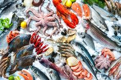 Scared to Cook Fish at Home? Discover Seafood's Splendor and Realize How Simple It Can Be to Make at Home! | Food & Nutrition Magazine - July/August 2016 #omega3s #dietitian #crustaceans #shellfish