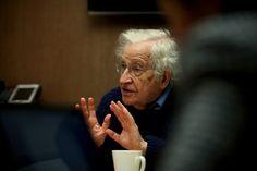 Noam Chomsky es filósofo, escritor, controvertido activista y uno de los lingüistas más brillantes y reconocidos de la humanidad. Su trabajo es estudiado en las universidades de todo el mundo, desde facultades de psicología hasta titulaciones lingüísticas, pasando por muchas otras disciplinas. En este post os explicaremos brevemente lo que él consideraba comolas estrategias más …