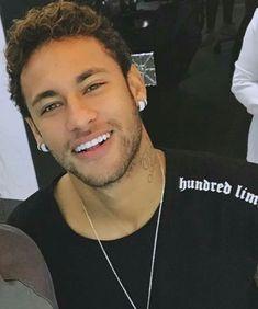 Real Madrid ready to make bid for Neymar - HF Neymar Jr, Neymar Football, Veneers Teeth, Beautiful Men Faces, Beautiful Things, Soccer Boys, Football Players, Ronaldo, Sexy Men