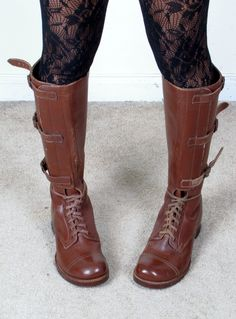 Vintage1940s unissued world war 2 tripple buckle lace up knee high jump combat military boots
