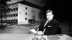 Eino S. Revon ensimmäistä tv-esiintymistä pidettiin ylimielisenä. Taaksepäin nojaava tuoli oli huono idea.
