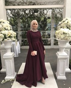 The gorgeous (msA) in our designer gown! - The gorgeous (msA) in our designer gown!… Source by - Hijab Prom Dress, Hijab Gown, Hijab Wedding Dresses, Muslim Dress, Formal Dresses, Dress Wedding, Bridesmaid Dress, Muslim Hijab, Hair Wedding