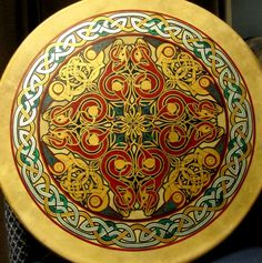 beautifully knotwork designed Bodhran skins are hand decorated by Fine Wood Sculptor, Jewelry Maker and Illustrator Daniel Hoffay.