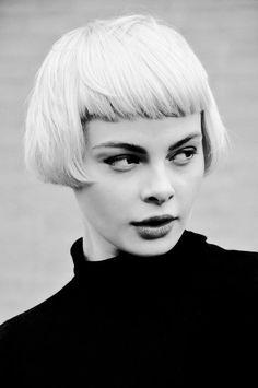 awesome retro bob hairstyle
