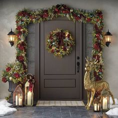 A silver Christmas decoration - HomeCNB Christmas Garden, Christmas Home, Merry Christmas, Christmas Quotes, Country Christmas, Christmas Porch Ideas, Christmas Planning, Christmas Countdown, Xmas Ideas