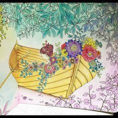 Instagram media icekureem - 右ページ #コロリアージュ#大人の塗り絵 #時の部屋  #ダリアソン #colorful ##thetimechamber #dariasong #coloriage #colouringbook #coloringbook #adultcoloringbook  #色鉛筆 #パステル