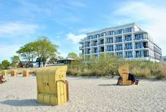 Seehuus Hotel Timmendorfer Strand (Niendorf) Offering spa facilities, and a fitness centre, Seehuus Hotel is located directly on the Baltic Sea promenade in the Niendorf area of Timmendorfer Strand. Rooms here offer beautiful sea views and free WiFi access.