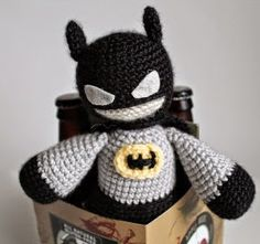 2000 Free Amigurumi Patterns: Batman crochet pattern