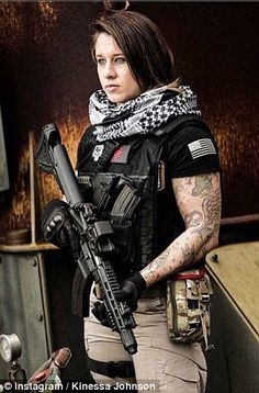 God Bless this women. The Afghanistan veteran who is catching poachers in Africa: Former soldier, Kinessa Johnson, is working alongside park rangers searching for and detaining wildlife slayers Surplus Militaire, Female Soldier, Army Soldier, Military Women, Military Army, Army Veteran, Badass Women, Gi Joe, Armed Forces