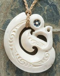 20 Best Maori Style Bone Carvings And Wearable Art Images Bone Carving Bone Art Maori Art