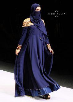 Fitri Aulia: Nighttide Alteration on Jakarta Fashion Week 2016 Niqab Fashion, Muslim Fashion, Modest Fashion, Fashion Outfits, Jakarta Fashion Week, Fashion Week 2016, Mode Abaya, Mode Hijab, Hijab Collection